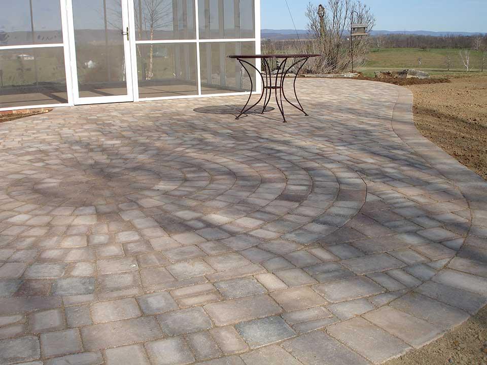Circular patterned patio